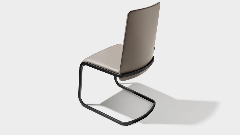 Stuhl Freischwinger f1 mit Fußgestell schwarz matt