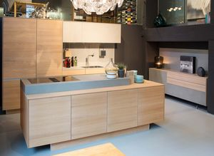 k7 kitchen island made of solid wood at TEAM 7 Hamburg City