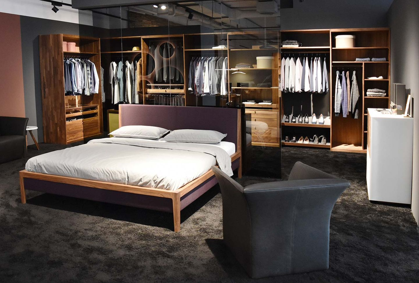 mylon solid wood bed and wardrobe interior
