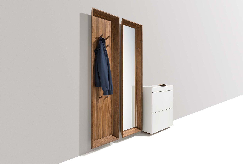 meuble de vestibule haiku suspendu en noyer avec vestiaire et miroir