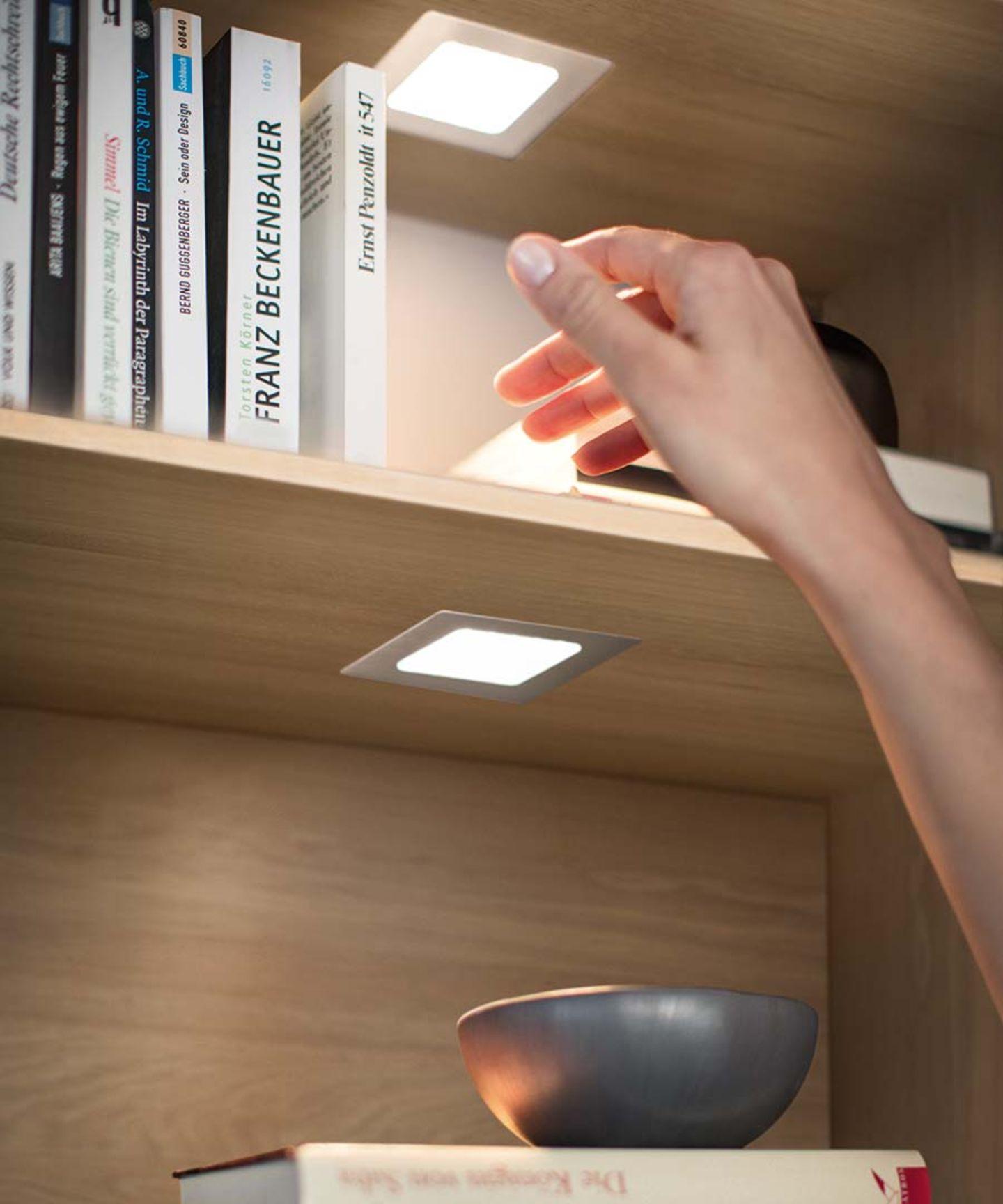 Parete attrezzata cubus pure con illuminazione