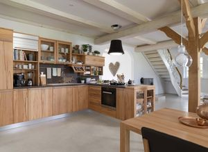 rondo solid wood kitchen with loft table