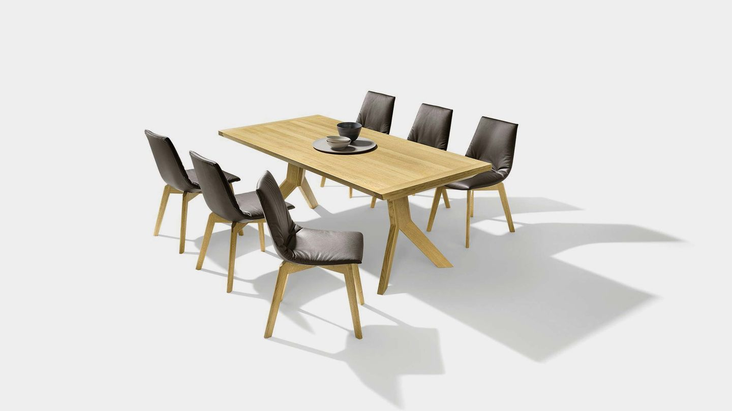 yps solid wood table with corner bench in leather