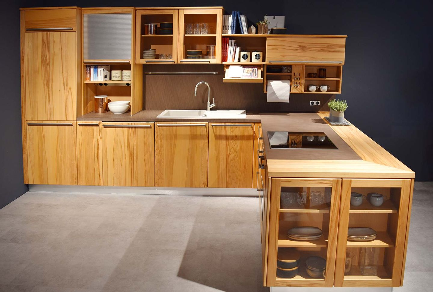 rondo solid wood kitchen at TEAM 7 store Stuttgart