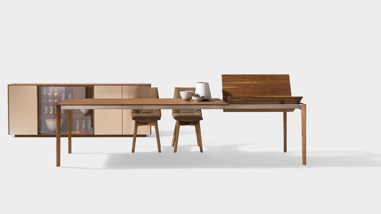 Table extensible tak avec piétement en bois et meuble d'appoint cubus pure