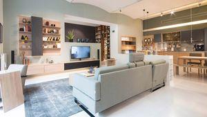 Wohnzimmer mit filigno Wandpaneel im TEAM 7 Store Wien