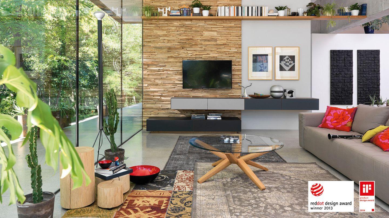 Diversi premi di design per la parete attrezzata cubus pure di TEAM 7, come l'iF product design award 2014
