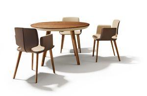 Holztisch rund flaye mit aye Stühlen in Leder von TEAM 7