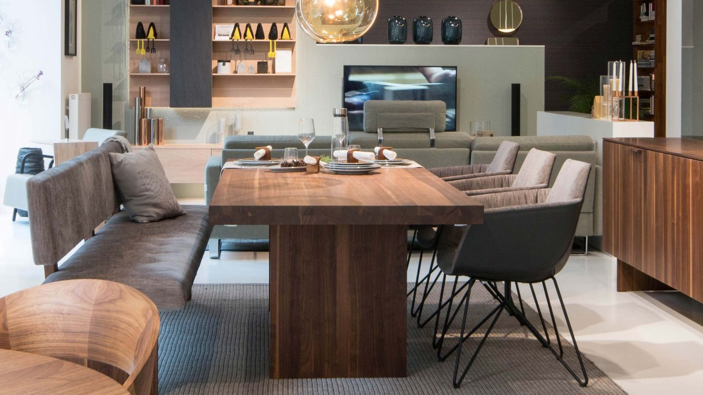 tema table in walnut with grand lui chair TEAM Vienna