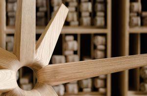 TEAM 7 Couchtisch stern aus Naturholz mit traditioneller Handwerkskunst gefertigt