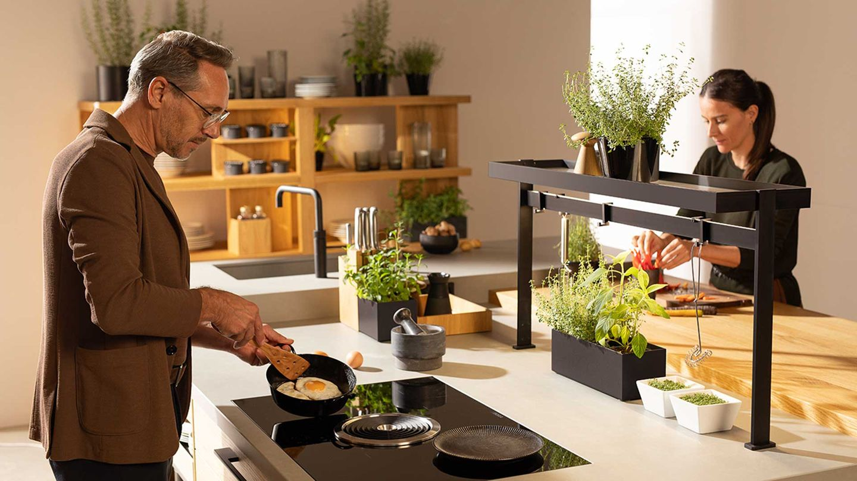 unterschiedliche Arbeitsbereiche in der echt.zeit Küche
