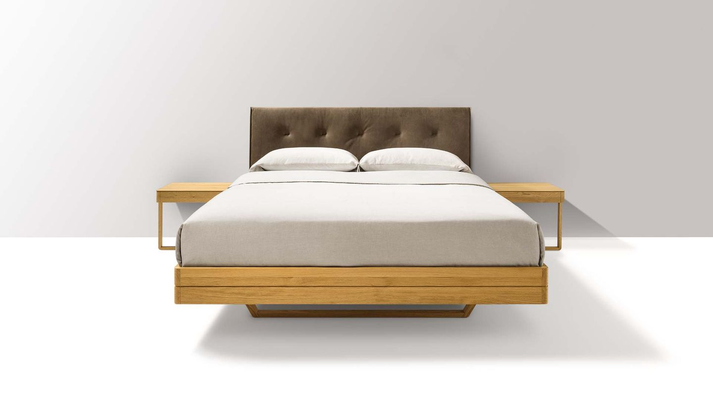 Letto float di TEAM 7 del designer Kai Stania