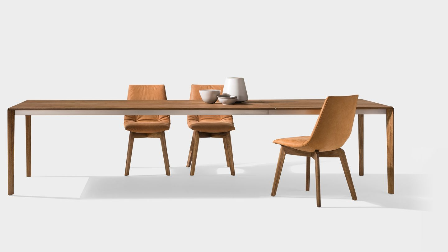TEAM 7 extandable table tak with wood legs by designer Jacob Strobel
