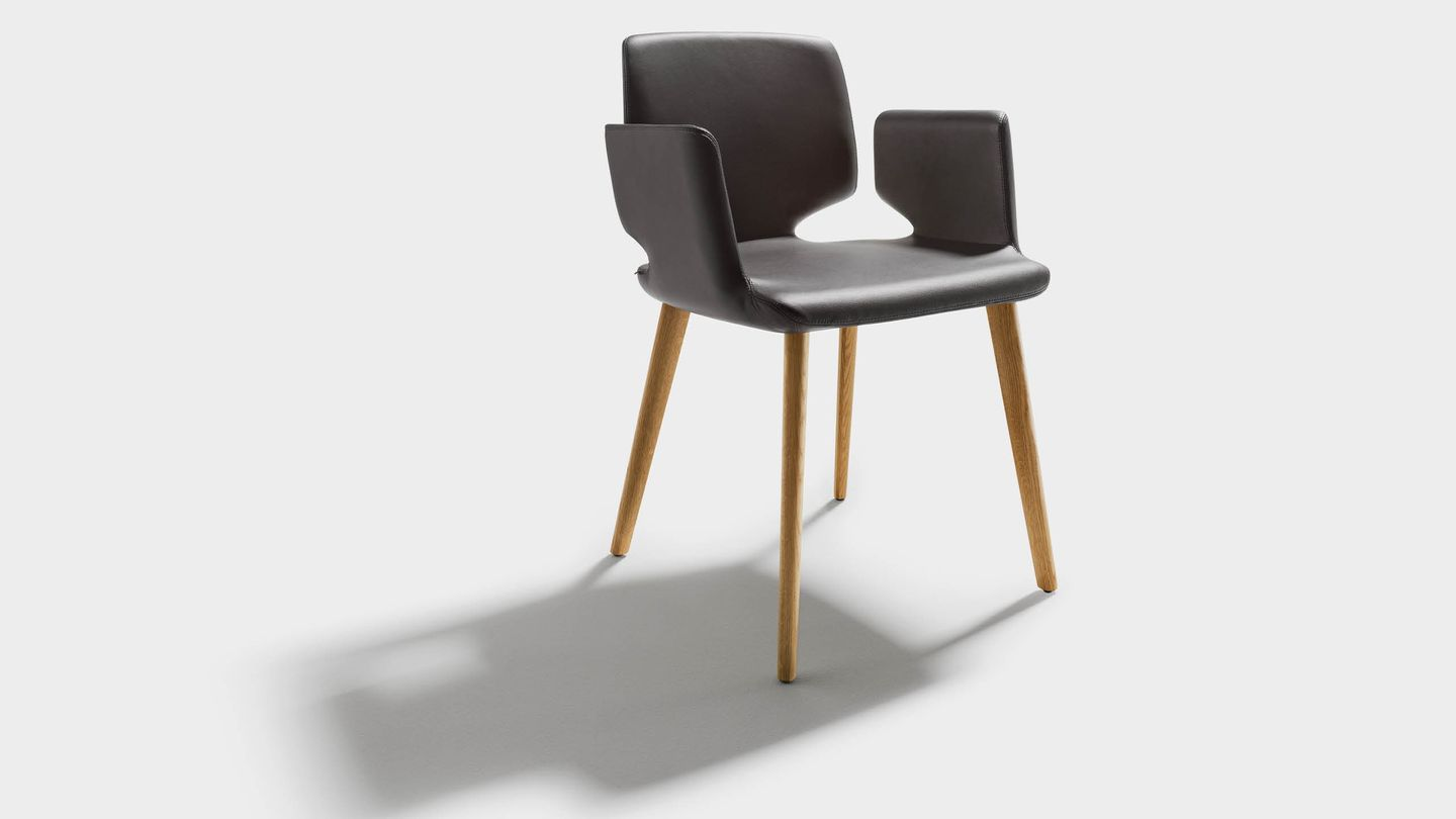 aye dining chair with armrests