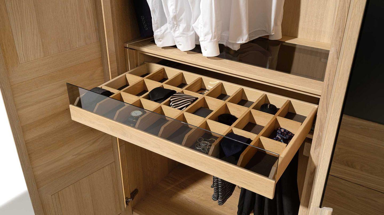 Sistemi di armadi con grande varietà di accessori interni