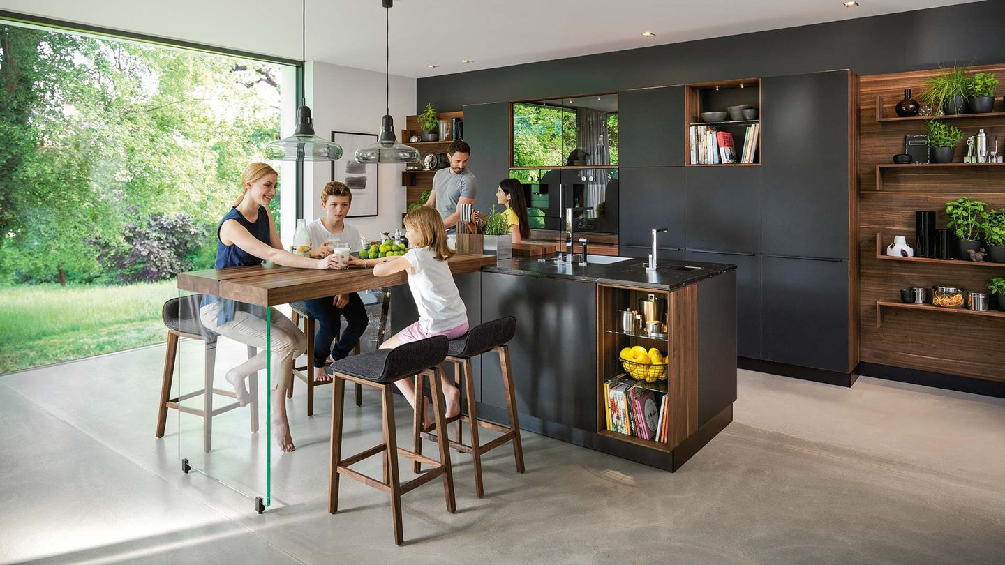 TEAM 7 black line kitchen by designer Sebastian Desch