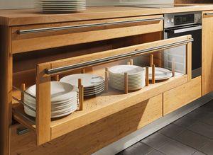 Cucina rondo in legno massello con base portapiatti