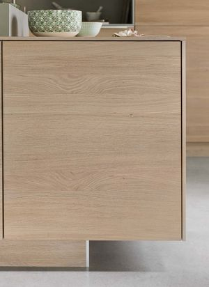 filigno kitchen made of solid wood with delicate casing