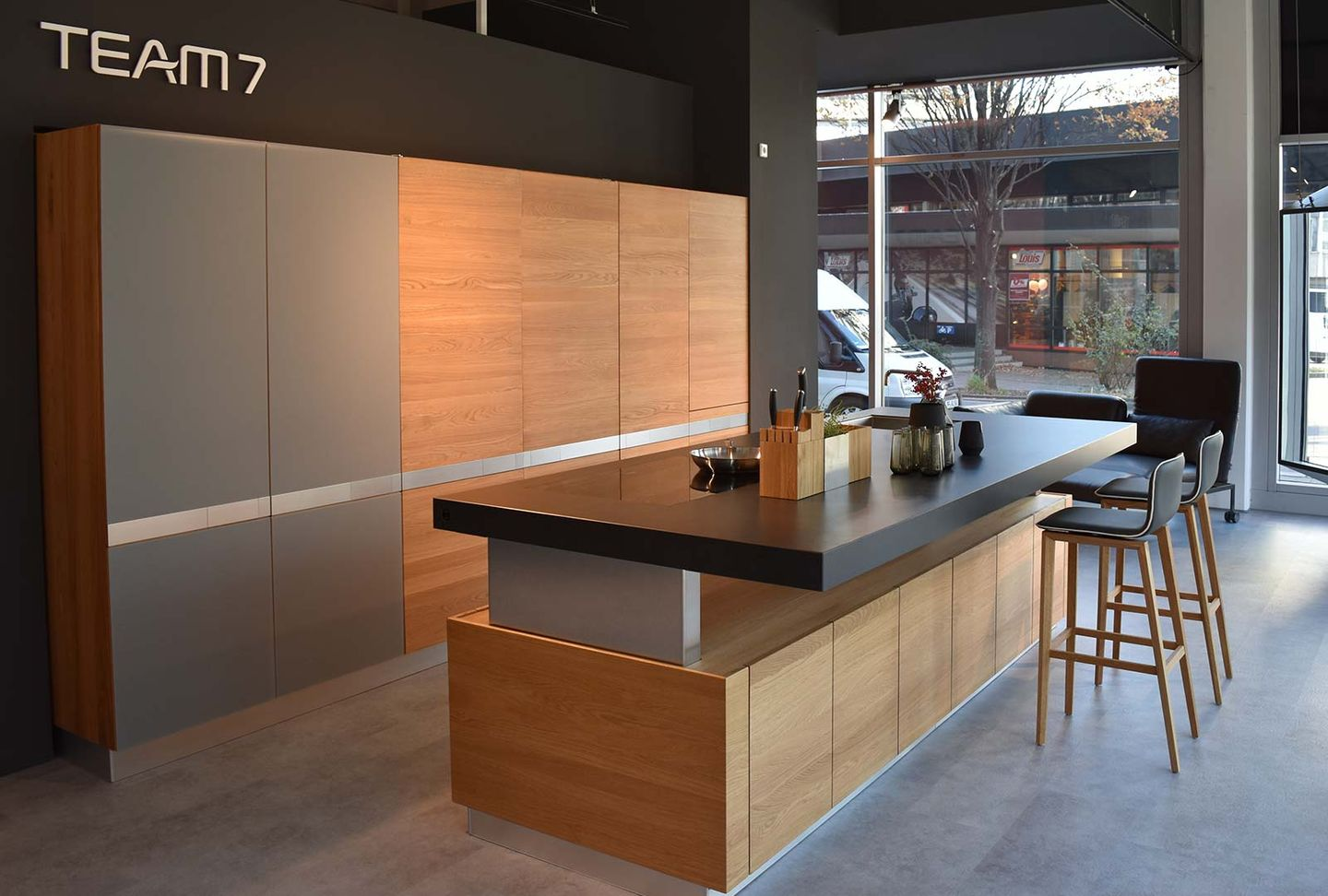k7 kitchen island at TEAM 7 store Stuttgart