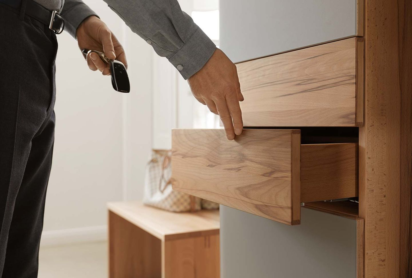 cubus solid coat rack with drawers
