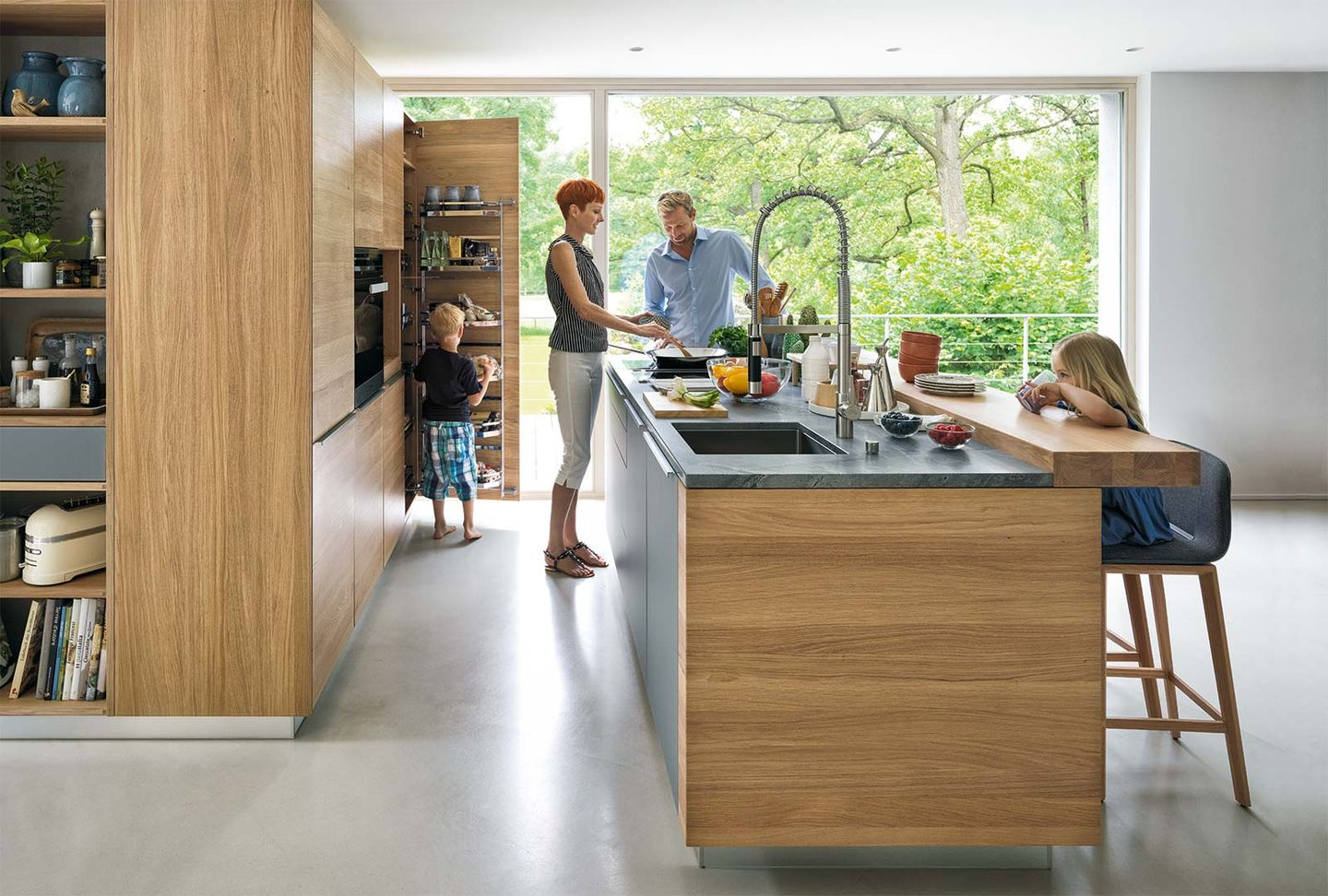 linee kitchen of solid wood in oak