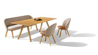 taso Tisch mit flor Bank und Stühlen