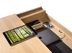 integrated USB connection of TEAM 7 filigno writing desk
