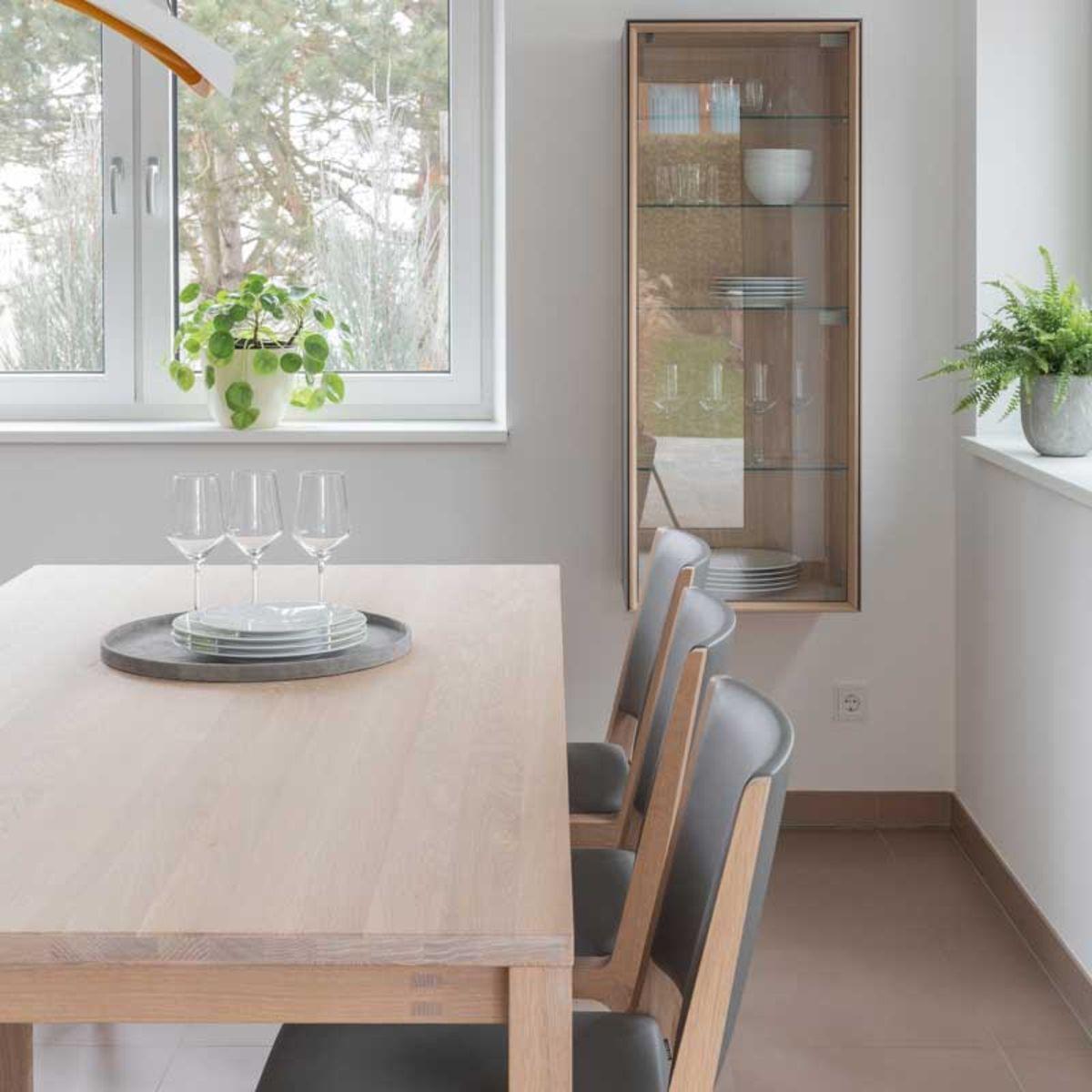 magnum Tisch mit eviva Stühlen in Eiche Weißöl von TEAM 7 Düsseldorf