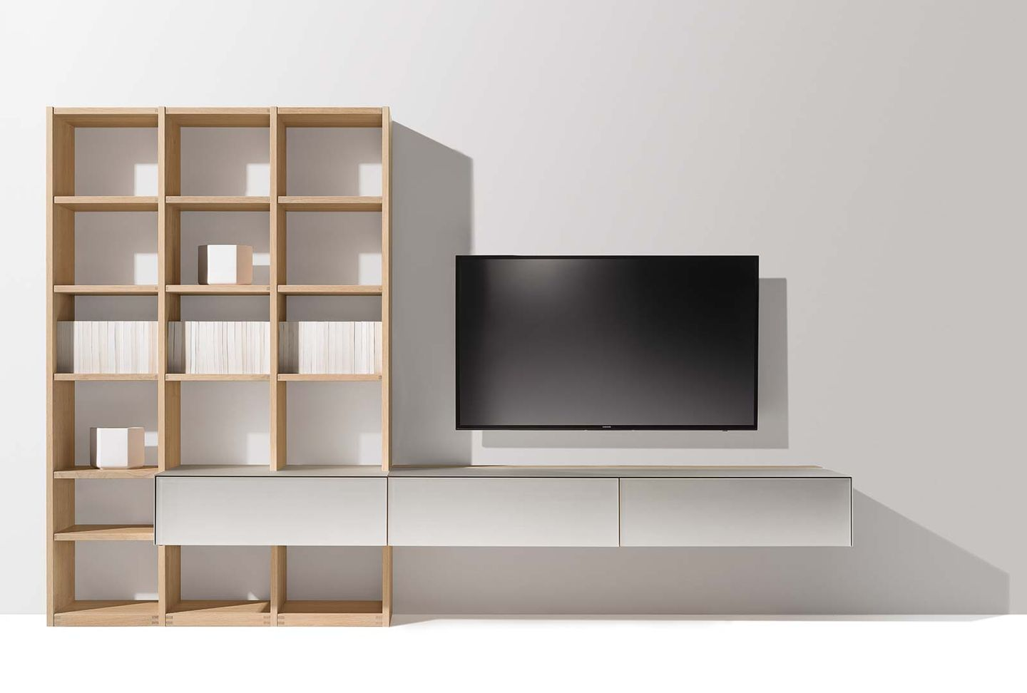 cubus pure wall unit in the wood type oak white oil
