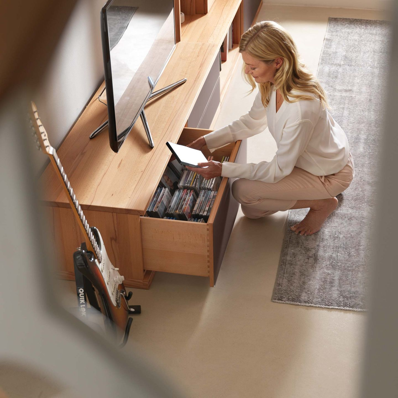 """Стенная мебель """"cubus"""" из массива дерева с ящиками для хранения"""